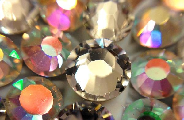 Swarovski crystals for rivets