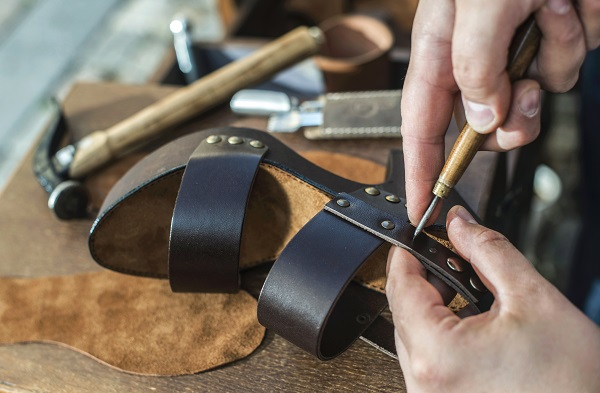 Shoe industry: why turn to Wealth for supplies for shoemakers in Milan